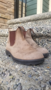 Blundstone boots (Women's size 7 US) Light Brown