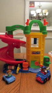 Fisher Price Little People Racin' Ramps Garage!