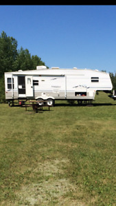 2005 Springdale 5th wheel trailer