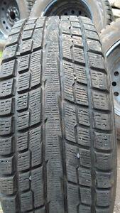 Pneus et roues 215/65R16 YOKOHAMA (ICE GUARD)iG51v