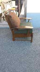 Solid wood chair Kitchener / Waterloo Kitchener Area image 1