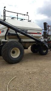 2001 Bourgault 5350 air tank & 1996 Bourgault 5710 air drill