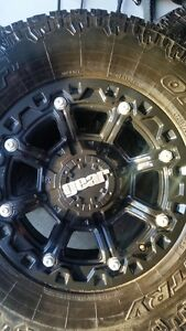 4 GEAR RIMS WITH TOYO OPEN COUNTRY AT/2 TIRES LT285/70/17