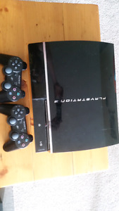 PS3 500GB 2 controllers 5 games
