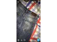 Dsquared jeans ripped style W32 L32•