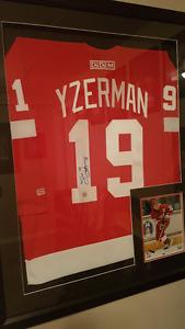 Steve Yzerman Signed JERSEY