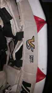 "Vaughn goalie pads 30"" + 1 Stratford Kitchener Area image 6"