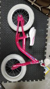 Balance bike 12 inch (pink)