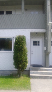 1 bedroom in 2 bedroom condo available for month of June