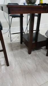 pub height table and chairs