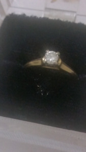 Steal of a deal Absolutely stunning 14 k ring set beautiful
