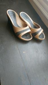 Size 5 womens crocs sandals