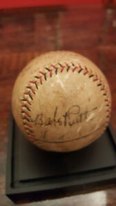 BABE RUTH, SINGLE SIGNED BASEBALL, PSA/DNA LOA