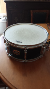 VINTAGE 1990s YAMAHA SNARE DRUM;