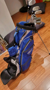 Goliath Beginner Golf set with putter and wilson bag