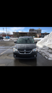 Dodge Grand Caravan Crew . 7 places 91000 KM Dem à distance