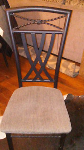 Glass kitchen table with 6 chairs