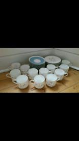Aynsley Flying Wild Coffee Set