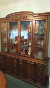 Dining room set - Table, 6 Chairs, and Hutch