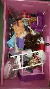 Dora toy box full of toys Regina Regina Area image 3