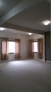 House for Rent  Moose Jaw $1375.00mthly  plus utilities