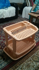 I am selling dish rack and onion rack