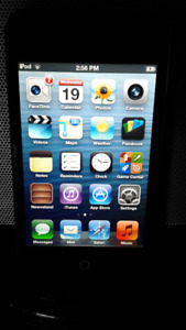 iPod touch 2nd Generation 8Gb with Case