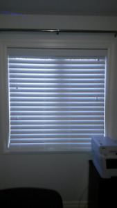 White Faux Wood Horizontal Blind (1 available)