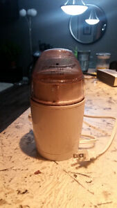 Coffee Grinder - Perfectly New - Used 5 times Maybe