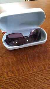 WOMENS OAKLEYS