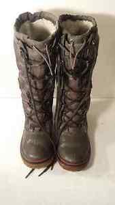 Bottes Hautes , Pajar Boots , grandeur 9.5 (40)