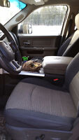 Trade centre console for middle jump seat 2012 Dodge 2500