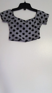 Forever 21 crop top size small never worn