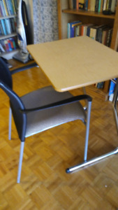 Office/Class Desks and Chairs in Excellent Condition