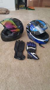 2 helmets and gloves