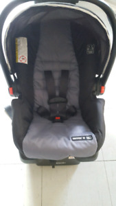Black and grey Graco carseat