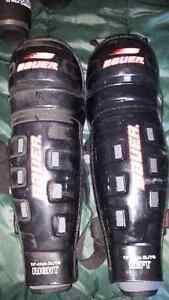Bauer Hockey Shin Pads - Men's XL 16 Inches Like New