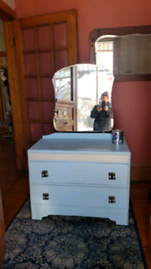 Dresser, chalk painted,  extra paint included