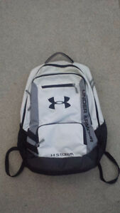 Excellent Condition White/Black Under Armour Storm Backpack