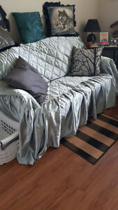 Love seat/bed