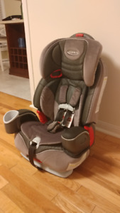Graco Nautilus  3-in-1 Child Restraint/Booster Seat.