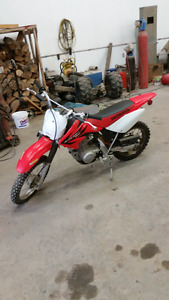 Honda crf80f dirtbike in great shape ready to ride