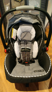 Graco click connect 35 - Baby car seat with 2 bases