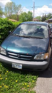 1999 Toyota Sienna Minivan, Van