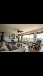 Beautiful retirement or cottage on the water under $300 000