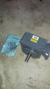 New Boston Gear Gear reducer 60:1  F726-60K-B5-G1