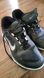 Men's golf shoes - Size 10