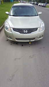 2010 Nissan Altima 2.5S Sedan with car starter! Edmonton Edmonton Area image 1