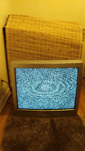 FREE Working TV/ TV à donner
