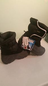 Brand new Khombu winter boots